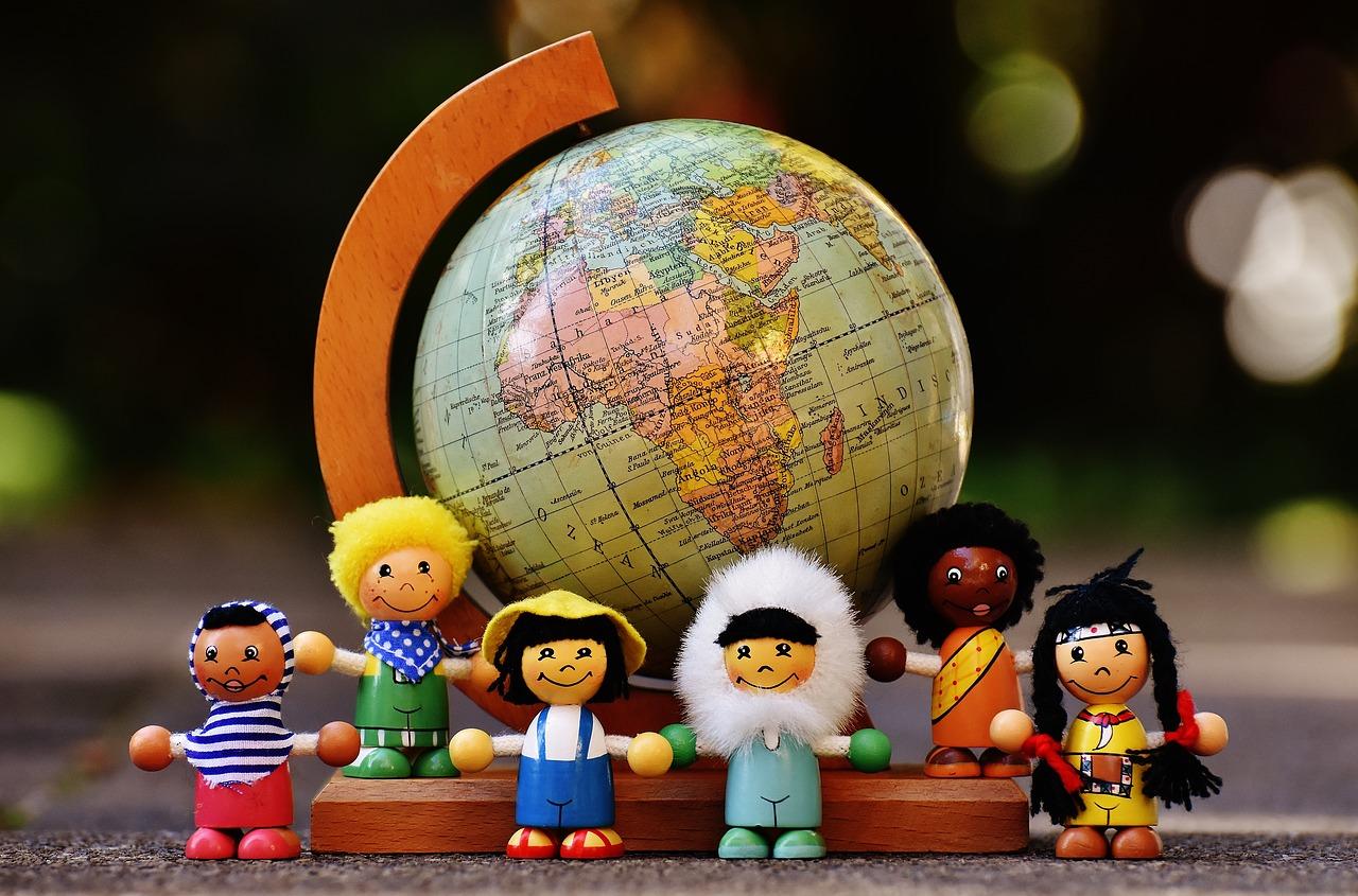 Montessori Pädagogik kurz & knapp